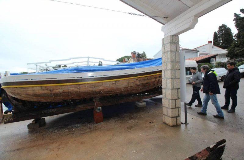 Otok Krk - otok-krk.org, Razno - Malinskarskom brodograditelju Franku Kraljiću uručeno priznanje